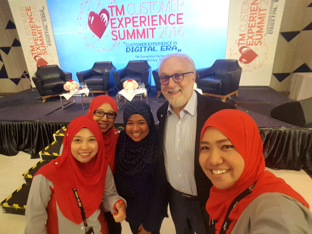 2016 Robert Spector keynote speaker at TM customer experience summit
