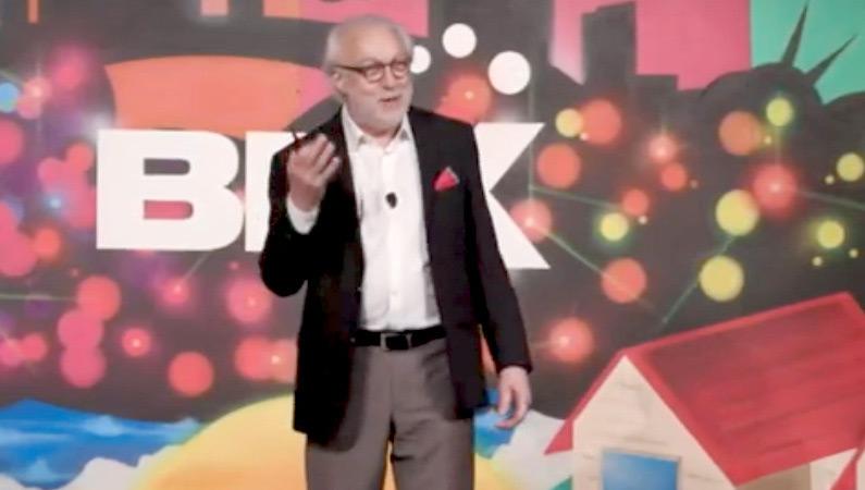 Best Customer Service Experience keynote speaker.